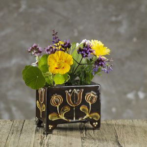 Hannah-McAndrew-Slip-Trail-Flower-Brick-Slipware-Shannon-Tofts