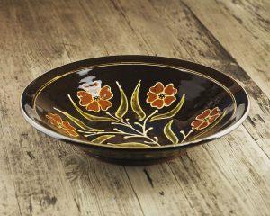 Hannah-McAndrew-Slip-Trailed-Floral-Dish-Slipware-Shannon-Tofts