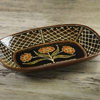 Hannah-McAndrew-Slip-Trailed-Floral-Pressed-Dish-Slipware-Shannon-Tofts