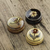 Hannah-McAndrew-Slip-Trailed-Lidded-Box-Group-Slipware-Shannon-Tofts
