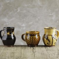 Hannah_McAndrew-Slip-Trail-Mug-Slipware-Shannon-Tofts